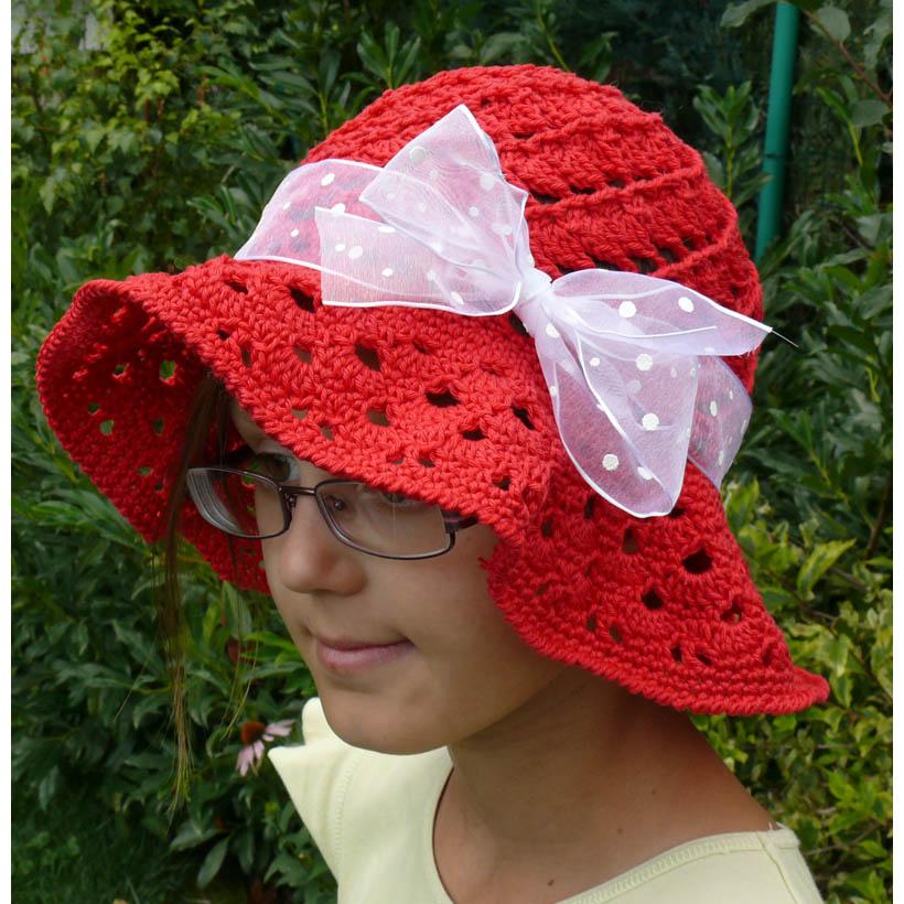 413dc1af7 Čipková háčkovaná baretka. 🔍. Červený klobúk
