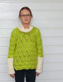 Dievčenský pulóver s kosoštvorcovým vzorom